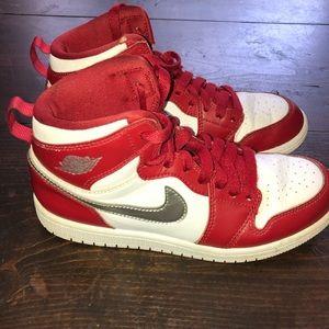 🏀 Nike Air Jordan youth boys 2.5